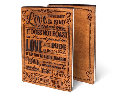 Дървен тефтер - 1 Corinthians 13:4-8 (L) [Подаръци/Сувенири]
