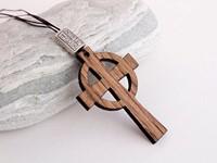 Дървена висулка за кола - Кръст и кръг